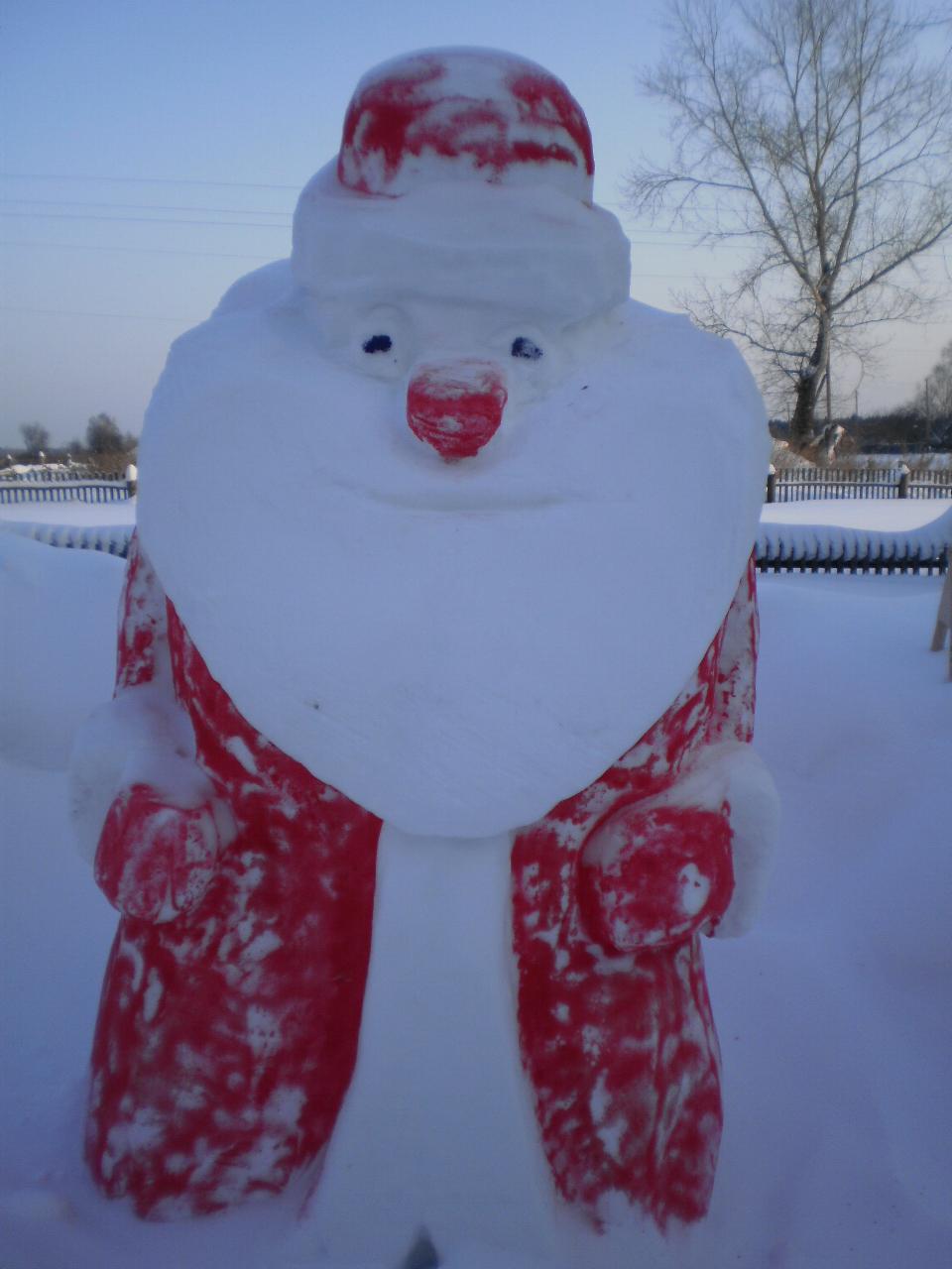 Как сделать деда мороза из снега своими руками